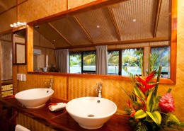 Aitutaki Lagoon Resort & Spa Cook Islands - Beachfront Bungalow Bathroom