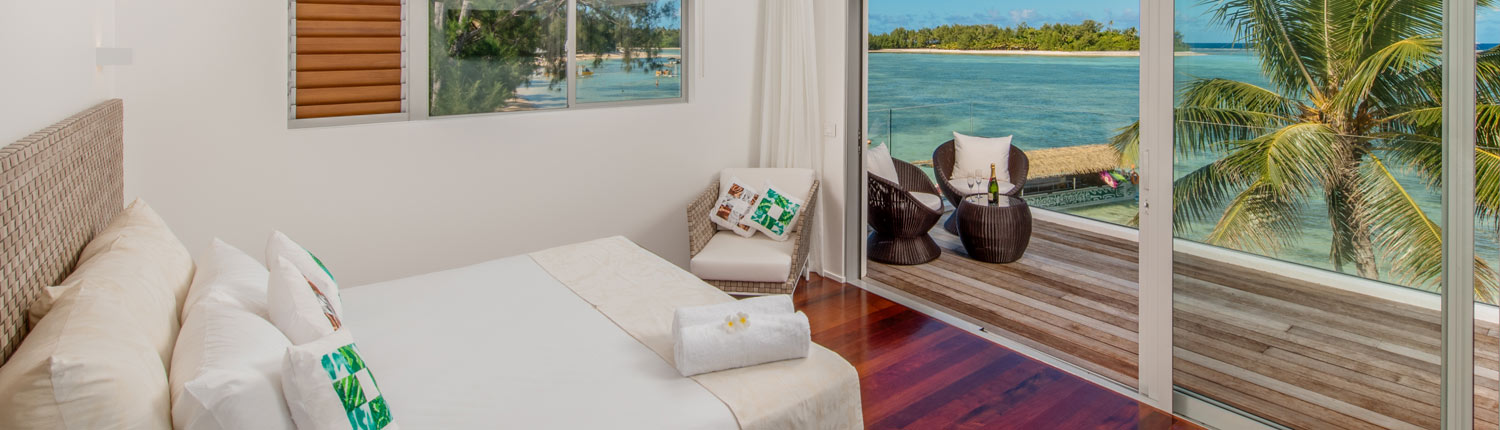Crystal Blue Lagoon Luxury Villas Cook Islands - Beachfront Villa Master Bedroom