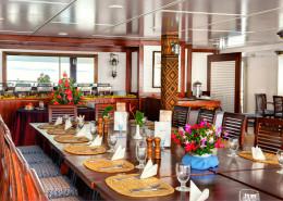 Blue Lagoon Cruises Fiji - Dining