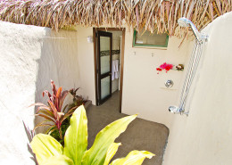 Manuia Beach Resort Cook Islands - Outdoor Shower