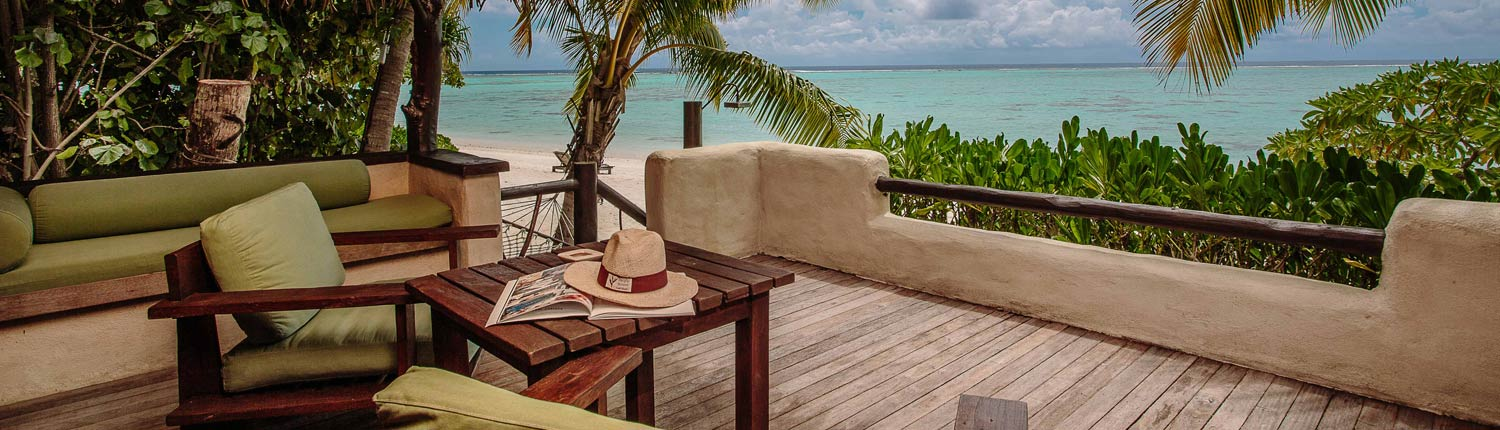 Pacific Resort Aitutaki Cook Islands - Premium Beachfront Deck
