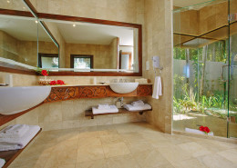 Pacific Resort Aitutaki Cook Islands - Ultimate Beachfront Villa Bathroom