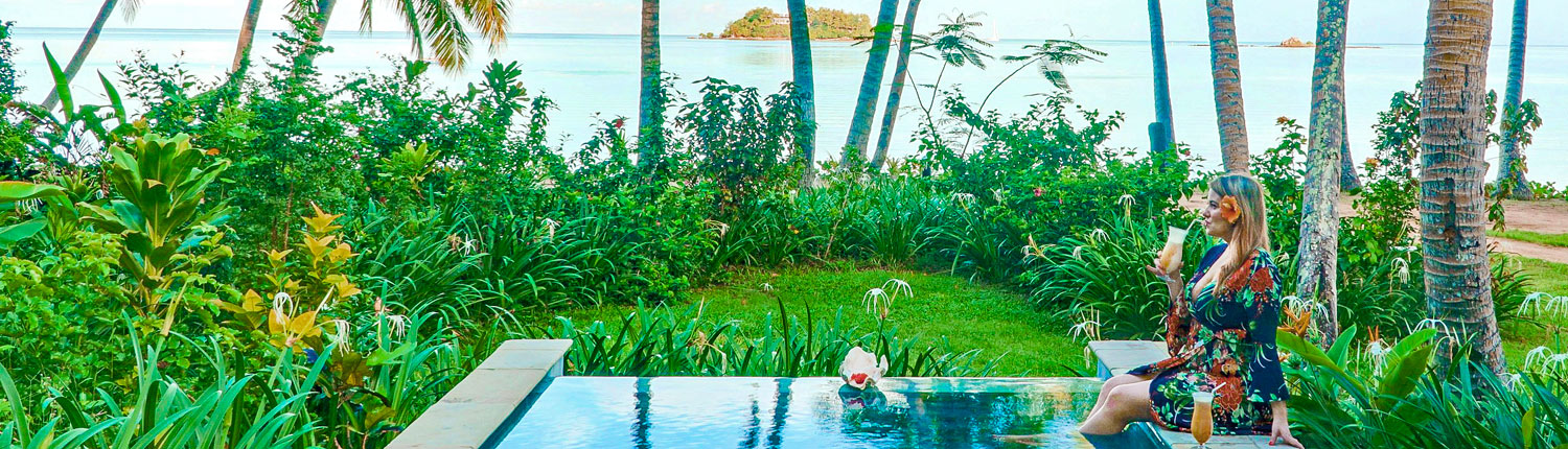 Tropica Island Resort Fiji - Beachfront Pool Bure