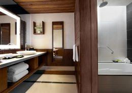 The Westin Denarau Island Resort - Guest Bathroom