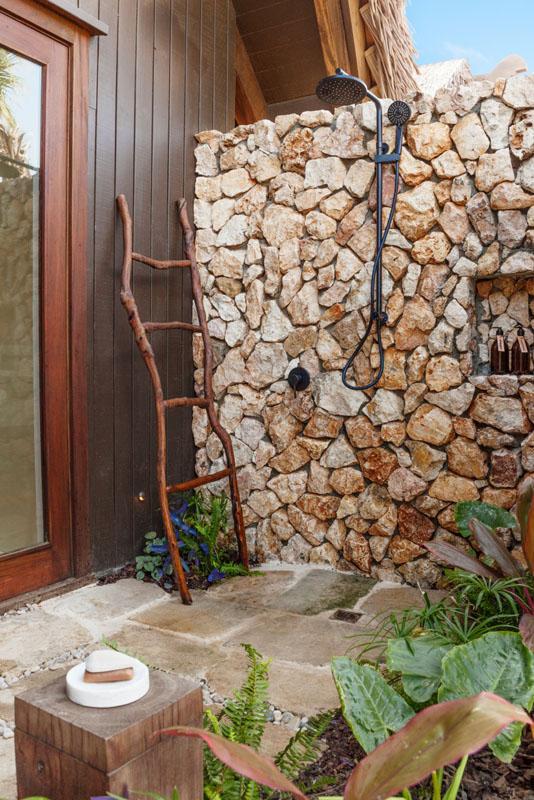 Villa and Suite Outdoor Rain Shower - Six Senses Fiji