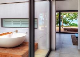 The Palms Vomo - Bathroom - Fiji Luxury Holiday Homes