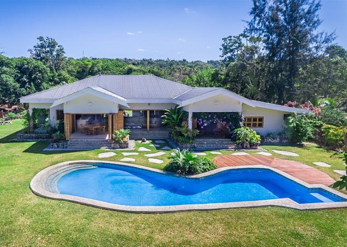 Nakatumble Luxury Eco Villa - Luxury Vanuatu Holidays - Holiday home on 6 acres